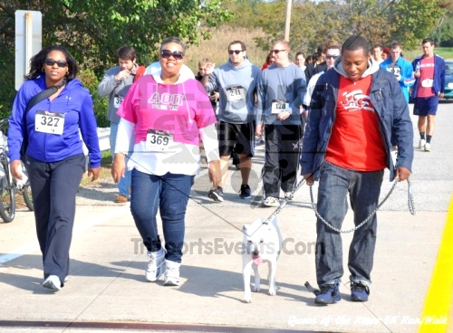 Queen of the Roses 5K Run/Walk<br><br><br><br><a href='http://www.trisportsevents.com/pics/11_Queen_of_the_Roses_092.JPG' download='11_Queen_of_the_Roses_092.JPG'>Click here to download.</a><Br><a href='http://www.facebook.com/sharer.php?u=http:%2F%2Fwww.trisportsevents.com%2Fpics%2F11_Queen_of_the_Roses_092.JPG&t=Queen of the Roses 5K Run/Walk' target='_blank'><img src='images/fb_share.png' width='100'></a>