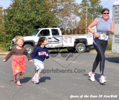 Queen of the Roses 5K Run/Walk<br><br><br><br><a href='http://www.trisportsevents.com/pics/11_Queen_of_the_Roses_177.JPG' download='11_Queen_of_the_Roses_177.JPG'>Click here to download.</a><Br><a href='http://www.facebook.com/sharer.php?u=http:%2F%2Fwww.trisportsevents.com%2Fpics%2F11_Queen_of_the_Roses_177.JPG&t=Queen of the Roses 5K Run/Walk' target='_blank'><img src='images/fb_share.png' width='100'></a>