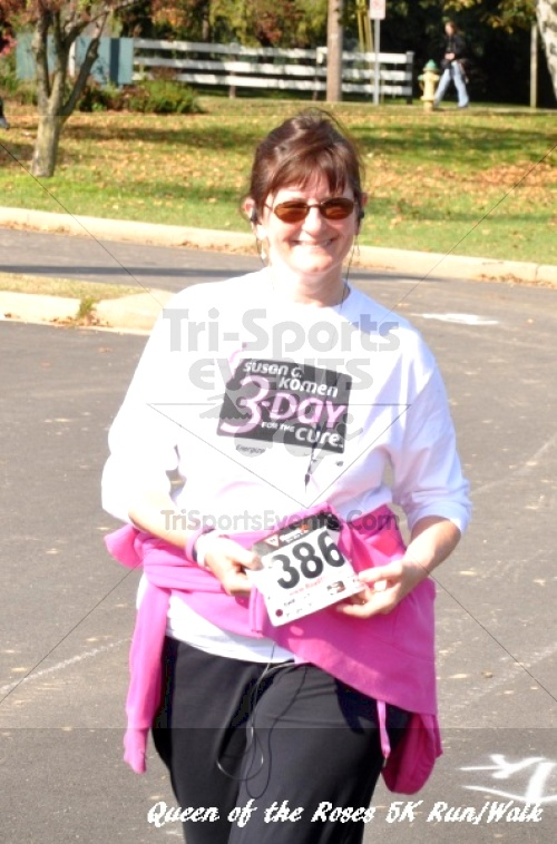 Queen of the Roses 5K Run/Walk<br><br><br><br><a href='http://www.trisportsevents.com/pics/11_Queen_of_the_Roses_206.JPG' download='11_Queen_of_the_Roses_206.JPG'>Click here to download.</a><Br><a href='http://www.facebook.com/sharer.php?u=http:%2F%2Fwww.trisportsevents.com%2Fpics%2F11_Queen_of_the_Roses_206.JPG&t=Queen of the Roses 5K Run/Walk' target='_blank'><img src='images/fb_share.png' width='100'></a>