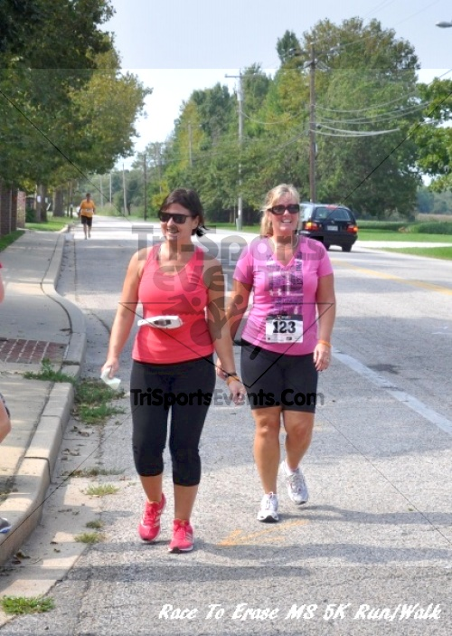 Race To Erase MS 5K Run/Walk<br><br><br><br><a href='http://www.trisportsevents.com/pics/11_Race_to_Erase_MS_5K_075.JPG' download='11_Race_to_Erase_MS_5K_075.JPG'>Click here to download.</a><Br><a href='http://www.facebook.com/sharer.php?u=http:%2F%2Fwww.trisportsevents.com%2Fpics%2F11_Race_to_Erase_MS_5K_075.JPG&t=Race To Erase MS 5K Run/Walk' target='_blank'><img src='images/fb_share.png' width='100'></a>