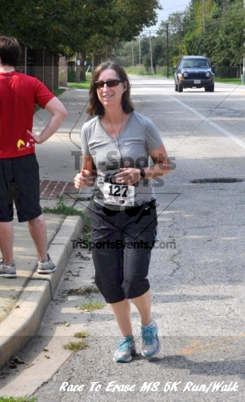 Race To Erase MS 5K Run/Walk<br><br><br><br><a href='http://www.trisportsevents.com/pics/11_Race_to_Erase_MS_5K_080.JPG' download='11_Race_to_Erase_MS_5K_080.JPG'>Click here to download.</a><Br><a href='http://www.facebook.com/sharer.php?u=http:%2F%2Fwww.trisportsevents.com%2Fpics%2F11_Race_to_Erase_MS_5K_080.JPG&t=Race To Erase MS 5K Run/Walk' target='_blank'><img src='images/fb_share.png' width='100'></a>