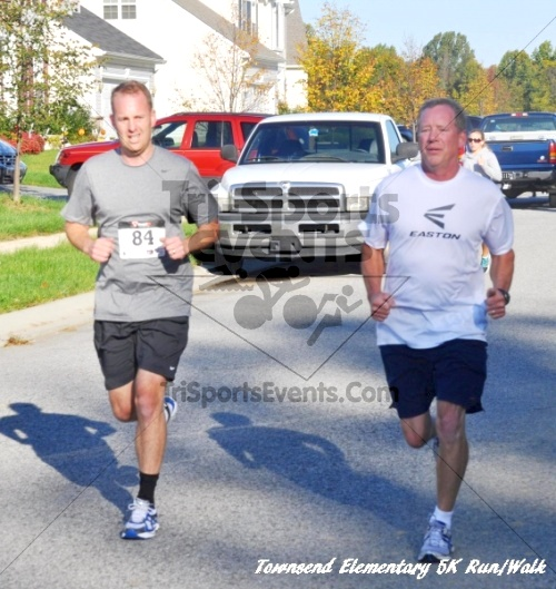 Just Wing It Thunderbird 5K Run/Walk<br><br><br><br><a href='https://www.trisportsevents.com/pics/11_Townsend_5K_053.JPG' download='11_Townsend_5K_053.JPG'>Click here to download.</a><Br><a href='http://www.facebook.com/sharer.php?u=http:%2F%2Fwww.trisportsevents.com%2Fpics%2F11_Townsend_5K_053.JPG&t=Just Wing It Thunderbird 5K Run/Walk' target='_blank'><img src='images/fb_share.png' width='100'></a>