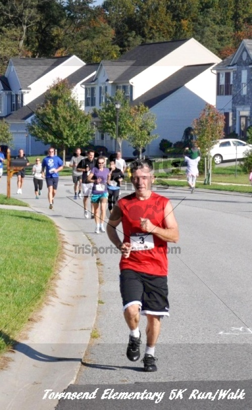 Just Wing It Thunderbird 5K Run/Walk<br><br><br><br><a href='https://www.trisportsevents.com/pics/11_Townsend_5K_065.JPG' download='11_Townsend_5K_065.JPG'>Click here to download.</a><Br><a href='http://www.facebook.com/sharer.php?u=http:%2F%2Fwww.trisportsevents.com%2Fpics%2F11_Townsend_5K_065.JPG&t=Just Wing It Thunderbird 5K Run/Walk' target='_blank'><img src='images/fb_share.png' width='100'></a>