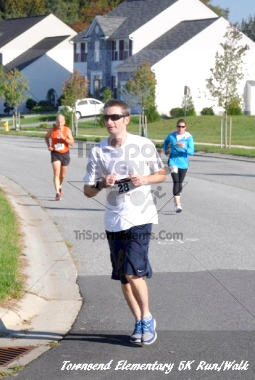 Just Wing It Thunderbird 5K Run/Walk<br><br><br><br><a href='http://www.trisportsevents.com/pics/11_Townsend_5K_073.JPG' download='11_Townsend_5K_073.JPG'>Click here to download.</a><Br><a href='http://www.facebook.com/sharer.php?u=http:%2F%2Fwww.trisportsevents.com%2Fpics%2F11_Townsend_5K_073.JPG&t=Just Wing It Thunderbird 5K Run/Walk' target='_blank'><img src='images/fb_share.png' width='100'></a>