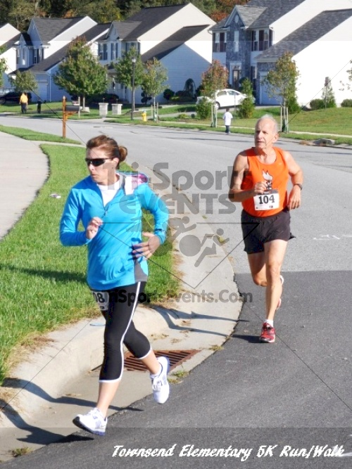 Just Wing It Thunderbird 5K Run/Walk<br><br><br><br><a href='http://www.trisportsevents.com/pics/11_Townsend_5K_074.JPG' download='11_Townsend_5K_074.JPG'>Click here to download.</a><Br><a href='http://www.facebook.com/sharer.php?u=http:%2F%2Fwww.trisportsevents.com%2Fpics%2F11_Townsend_5K_074.JPG&t=Just Wing It Thunderbird 5K Run/Walk' target='_blank'><img src='images/fb_share.png' width='100'></a>