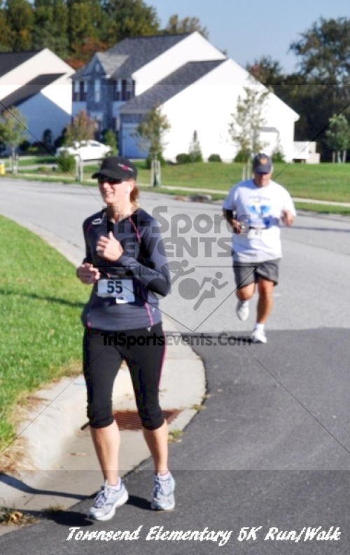 Just Wing It Thunderbird 5K Run/Walk<br><br><br><br><a href='http://www.trisportsevents.com/pics/11_Townsend_5K_082.JPG' download='11_Townsend_5K_082.JPG'>Click here to download.</a><Br><a href='http://www.facebook.com/sharer.php?u=http:%2F%2Fwww.trisportsevents.com%2Fpics%2F11_Townsend_5K_082.JPG&t=Just Wing It Thunderbird 5K Run/Walk' target='_blank'><img src='images/fb_share.png' width='100'></a>