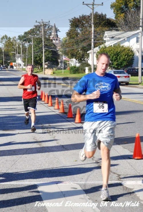 Just Wing It Thunderbird 5K Run/Walk<br><br><br><br><a href='https://www.trisportsevents.com/pics/11_Townsend_5K_109.JPG' download='11_Townsend_5K_109.JPG'>Click here to download.</a><Br><a href='http://www.facebook.com/sharer.php?u=http:%2F%2Fwww.trisportsevents.com%2Fpics%2F11_Townsend_5K_109.JPG&t=Just Wing It Thunderbird 5K Run/Walk' target='_blank'><img src='images/fb_share.png' width='100'></a>