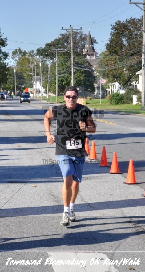 Just Wing It Thunderbird 5K Run/Walk<br><br><br><br><a href='http://www.trisportsevents.com/pics/11_Townsend_5K_113.JPG' download='11_Townsend_5K_113.JPG'>Click here to download.</a><Br><a href='http://www.facebook.com/sharer.php?u=http:%2F%2Fwww.trisportsevents.com%2Fpics%2F11_Townsend_5K_113.JPG&t=Just Wing It Thunderbird 5K Run/Walk' target='_blank'><img src='images/fb_share.png' width='100'></a>