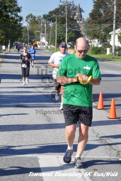 Just Wing It Thunderbird 5K Run/Walk<br><br><br><br><a href='http://www.trisportsevents.com/pics/11_Townsend_5K_115.JPG' download='11_Townsend_5K_115.JPG'>Click here to download.</a><Br><a href='http://www.facebook.com/sharer.php?u=http:%2F%2Fwww.trisportsevents.com%2Fpics%2F11_Townsend_5K_115.JPG&t=Just Wing It Thunderbird 5K Run/Walk' target='_blank'><img src='images/fb_share.png' width='100'></a>
