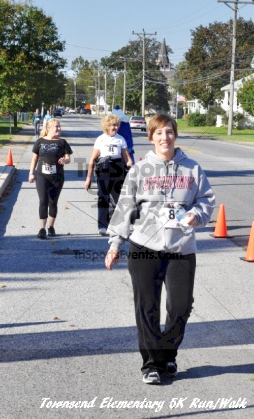 Just Wing It Thunderbird 5K Run/Walk<br><br><br><br><a href='http://www.trisportsevents.com/pics/11_Townsend_5K_161.JPG' download='11_Townsend_5K_161.JPG'>Click here to download.</a><Br><a href='http://www.facebook.com/sharer.php?u=http:%2F%2Fwww.trisportsevents.com%2Fpics%2F11_Townsend_5K_161.JPG&t=Just Wing It Thunderbird 5K Run/Walk' target='_blank'><img src='images/fb_share.png' width='100'></a>