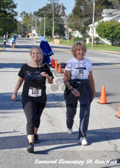 Just Wing It Thunderbird 5K Run/Walk<br><br><br><br><a href='https://www.trisportsevents.com/pics/11_Townsend_5K_162.JPG' download='11_Townsend_5K_162.JPG'>Click here to download.</a><Br><a href='http://www.facebook.com/sharer.php?u=http:%2F%2Fwww.trisportsevents.com%2Fpics%2F11_Townsend_5K_162.JPG&t=Just Wing It Thunderbird 5K Run/Walk' target='_blank'><img src='images/fb_share.png' width='100'></a>