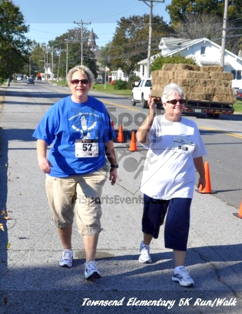 Just Wing It Thunderbird 5K Run/Walk<br><br><br><br><a href='https://www.trisportsevents.com/pics/11_Townsend_5K_178.JPG' download='11_Townsend_5K_178.JPG'>Click here to download.</a><Br><a href='http://www.facebook.com/sharer.php?u=http:%2F%2Fwww.trisportsevents.com%2Fpics%2F11_Townsend_5K_178.JPG&t=Just Wing It Thunderbird 5K Run/Walk' target='_blank'><img src='images/fb_share.png' width='100'></a>