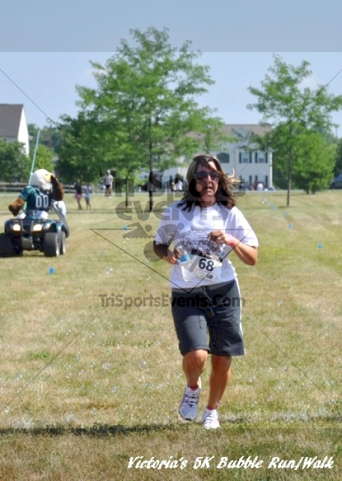 Victoria's 5K Bubble Run/Walk<br><br><br><br><a href='https://www.trisportsevents.com/pics/11_Victoria's_5K_178.JPG' download='11_Victoria's_5K_178.JPG'>Click here to download.</a><Br><a href='http://www.facebook.com/sharer.php?u=http:%2F%2Fwww.trisportsevents.com%2Fpics%2F11_Victoria's_5K_178.JPG&t=Victoria's 5K Bubble Run/Walk' target='_blank'><img src='images/fb_share.png' width='100'></a>