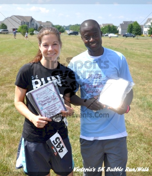 Victoria's 5K Bubble Run/Walk<br><br>Overall winners - Bill Rogers 17:48 and Becky Youngblood 21:59<p><br><br><a href='https://www.trisportsevents.com/pics/11_Victoria's_5K_239.JPG' download='11_Victoria's_5K_239.JPG'>Click here to download.</a><Br><a href='http://www.facebook.com/sharer.php?u=http:%2F%2Fwww.trisportsevents.com%2Fpics%2F11_Victoria's_5K_239.JPG&t=Victoria's 5K Bubble Run/Walk' target='_blank'><img src='images/fb_share.png' width='100'></a>