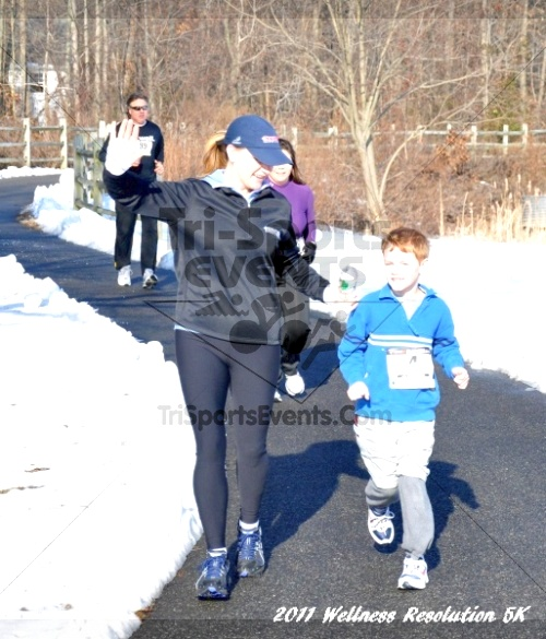 2nd Wellness Resolution 5K<br><br><br><br><a href='http://www.trisportsevents.com/pics/11_Wellness_5K_045.JPG' download='11_Wellness_5K_045.JPG'>Click here to download.</a><Br><a href='http://www.facebook.com/sharer.php?u=http:%2F%2Fwww.trisportsevents.com%2Fpics%2F11_Wellness_5K_045.JPG&t=2nd Wellness Resolution 5K' target='_blank'><img src='images/fb_share.png' width='100'></a>