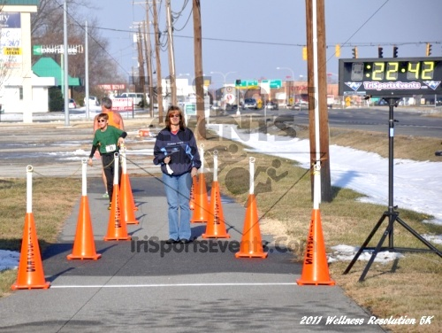 2nd Wellness Resolution 5K<br><br><br><br><a href='http://www.trisportsevents.com/pics/11_Wellness_5K_078.JPG' download='11_Wellness_5K_078.JPG'>Click here to download.</a><Br><a href='http://www.facebook.com/sharer.php?u=http:%2F%2Fwww.trisportsevents.com%2Fpics%2F11_Wellness_5K_078.JPG&t=2nd Wellness Resolution 5K' target='_blank'><img src='images/fb_share.png' width='100'></a>