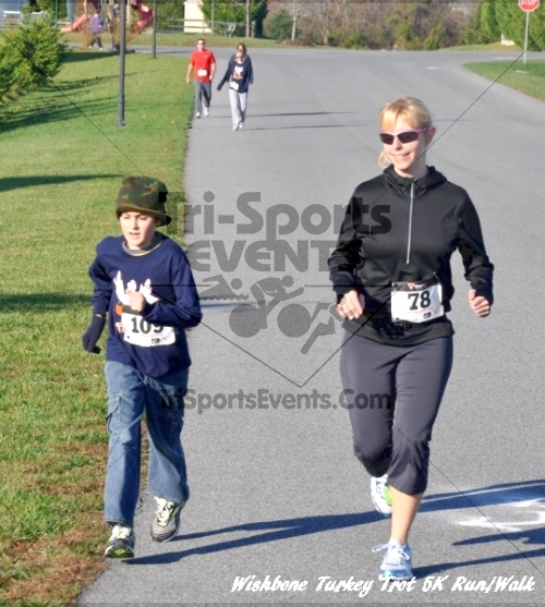 Wishbone Turkey Trot 5K Run/Walk<br><br><br><br><a href='http://www.trisportsevents.com/pics/11_Wishbone_Turkey_Trot_051.JPG' download='11_Wishbone_Turkey_Trot_051.JPG'>Click here to download.</a><Br><a href='http://www.facebook.com/sharer.php?u=http:%2F%2Fwww.trisportsevents.com%2Fpics%2F11_Wishbone_Turkey_Trot_051.JPG&t=Wishbone Turkey Trot 5K Run/Walk' target='_blank'><img src='images/fb_share.png' width='100'></a>