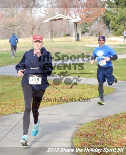 Share the Holiday Spirit 5K<br><br><br><br><a href='http://www.trisportsevents.com/pics/122.JPG' download='122.JPG'>Click here to download.</a><Br><a href='http://www.facebook.com/sharer.php?u=http:%2F%2Fwww.trisportsevents.com%2Fpics%2F122.JPG&t=Share the Holiday Spirit 5K' target='_blank'><img src='images/fb_share.png' width='100'></a>