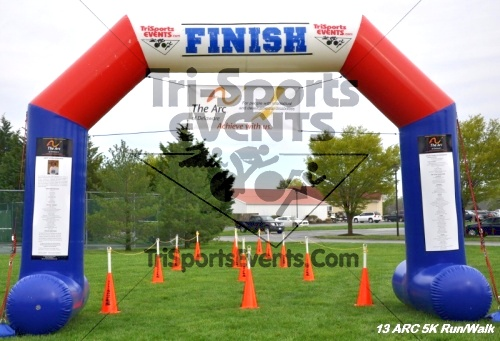 Arc 5K Run/Walk<br><br><br><br><a href='https://www.trisportsevents.com/pics/12_ARC_5K_002.JPG' download='12_ARC_5K_002.JPG'>Click here to download.</a><Br><a href='http://www.facebook.com/sharer.php?u=http:%2F%2Fwww.trisportsevents.com%2Fpics%2F12_ARC_5K_002.JPG&t=Arc 5K Run/Walk' target='_blank'><img src='images/fb_share.png' width='100'></a>