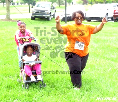 Arc 5K Run/Walk<br><br><br><br><a href='https://www.trisportsevents.com/pics/12_ARC_5K_069.JPG' download='12_ARC_5K_069.JPG'>Click here to download.</a><Br><a href='http://www.facebook.com/sharer.php?u=http:%2F%2Fwww.trisportsevents.com%2Fpics%2F12_ARC_5K_069.JPG&t=Arc 5K Run/Walk' target='_blank'><img src='images/fb_share.png' width='100'></a>