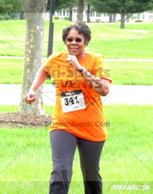 Arc 5K Run/Walk<br><br><br><br><a href='https://www.trisportsevents.com/pics/12_ARC_5K_118.JPG' download='12_ARC_5K_118.JPG'>Click here to download.</a><Br><a href='http://www.facebook.com/sharer.php?u=http:%2F%2Fwww.trisportsevents.com%2Fpics%2F12_ARC_5K_118.JPG&t=Arc 5K Run/Walk' target='_blank'><img src='images/fb_share.png' width='100'></a>