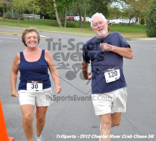 Chester River Crab Chase 5K<br><br><br><br><a href='http://www.trisportsevents.com/pics/12_Chester_River_Crab_Chase_5K_166.JPG' download='12_Chester_River_Crab_Chase_5K_166.JPG'>Click here to download.</a><Br><a href='http://www.facebook.com/sharer.php?u=http:%2F%2Fwww.trisportsevents.com%2Fpics%2F12_Chester_River_Crab_Chase_5K_166.JPG&t=Chester River Crab Chase 5K' target='_blank'><img src='images/fb_share.png' width='100'></a>