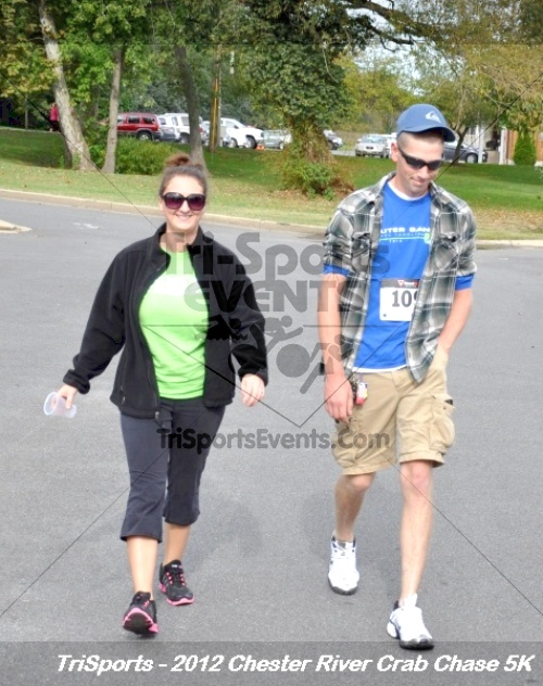 Chester River Crab Chase 5K<br><br><br><br><a href='http://www.trisportsevents.com/pics/12_Chester_River_Crab_Chase_5K_181.JPG' download='12_Chester_River_Crab_Chase_5K_181.JPG'>Click here to download.</a><Br><a href='http://www.facebook.com/sharer.php?u=http:%2F%2Fwww.trisportsevents.com%2Fpics%2F12_Chester_River_Crab_Chase_5K_181.JPG&t=Chester River Crab Chase 5K' target='_blank'><img src='images/fb_share.png' width='100'></a>