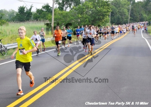 Chestertown Tea Party 10 Mile Run<br><br><br><br><a href='http://www.trisportsevents.com/pics/12_Chestertown_5K-10_Miler_004.JPG' download='12_Chestertown_5K-10_Miler_004.JPG'>Click here to download.</a><Br><a href='http://www.facebook.com/sharer.php?u=http:%2F%2Fwww.trisportsevents.com%2Fpics%2F12_Chestertown_5K-10_Miler_004.JPG&t=Chestertown Tea Party 10 Mile Run' target='_blank'><img src='images/fb_share.png' width='100'></a>