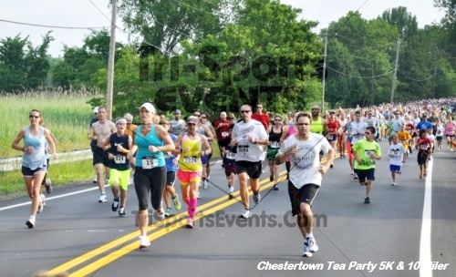 Chestertown Tea Party 10 Mile Run<br><br><br><br><a href='http://www.trisportsevents.com/pics/12_Chestertown_5K-10_Miler_016.JPG' download='12_Chestertown_5K-10_Miler_016.JPG'>Click here to download.</a><Br><a href='http://www.facebook.com/sharer.php?u=http:%2F%2Fwww.trisportsevents.com%2Fpics%2F12_Chestertown_5K-10_Miler_016.JPG&t=Chestertown Tea Party 10 Mile Run' target='_blank'><img src='images/fb_share.png' width='100'></a>