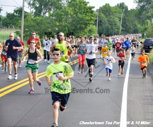 Chestertown Tea Party 10 Mile Run<br><br><br><br><a href='http://www.trisportsevents.com/pics/12_Chestertown_5K-10_Miler_018.JPG' download='12_Chestertown_5K-10_Miler_018.JPG'>Click here to download.</a><Br><a href='http://www.facebook.com/sharer.php?u=http:%2F%2Fwww.trisportsevents.com%2Fpics%2F12_Chestertown_5K-10_Miler_018.JPG&t=Chestertown Tea Party 10 Mile Run' target='_blank'><img src='images/fb_share.png' width='100'></a>