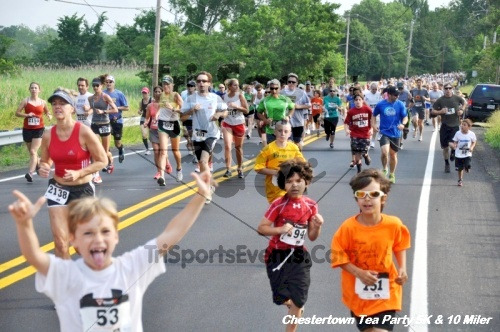 Chestertown Tea Party 10 Mile Run<br><br><br><br><a href='http://www.trisportsevents.com/pics/12_Chestertown_5K-10_Miler_020.JPG' download='12_Chestertown_5K-10_Miler_020.JPG'>Click here to download.</a><Br><a href='http://www.facebook.com/sharer.php?u=http:%2F%2Fwww.trisportsevents.com%2Fpics%2F12_Chestertown_5K-10_Miler_020.JPG&t=Chestertown Tea Party 10 Mile Run' target='_blank'><img src='images/fb_share.png' width='100'></a>