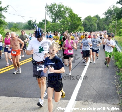 Chestertown Tea Party 10 Mile Run<br><br><br><br><a href='https://www.trisportsevents.com/pics/12_Chestertown_5K-10_Miler_037.JPG' download='12_Chestertown_5K-10_Miler_037.JPG'>Click here to download.</a><Br><a href='http://www.facebook.com/sharer.php?u=http:%2F%2Fwww.trisportsevents.com%2Fpics%2F12_Chestertown_5K-10_Miler_037.JPG&t=Chestertown Tea Party 10 Mile Run' target='_blank'><img src='images/fb_share.png' width='100'></a>