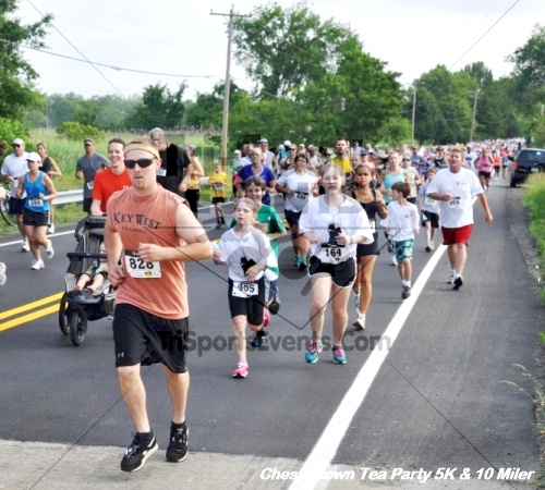 Chestertown Tea Party 10 Mile Run<br><br><br><br><a href='https://www.trisportsevents.com/pics/12_Chestertown_5K-10_Miler_043.JPG' download='12_Chestertown_5K-10_Miler_043.JPG'>Click here to download.</a><Br><a href='http://www.facebook.com/sharer.php?u=http:%2F%2Fwww.trisportsevents.com%2Fpics%2F12_Chestertown_5K-10_Miler_043.JPG&t=Chestertown Tea Party 10 Mile Run' target='_blank'><img src='images/fb_share.png' width='100'></a>