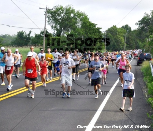 Chestertown Tea Party 10 Mile Run<br><br><br><br><a href='http://www.trisportsevents.com/pics/12_Chestertown_5K-10_Miler_045.JPG' download='12_Chestertown_5K-10_Miler_045.JPG'>Click here to download.</a><Br><a href='http://www.facebook.com/sharer.php?u=http:%2F%2Fwww.trisportsevents.com%2Fpics%2F12_Chestertown_5K-10_Miler_045.JPG&t=Chestertown Tea Party 10 Mile Run' target='_blank'><img src='images/fb_share.png' width='100'></a>