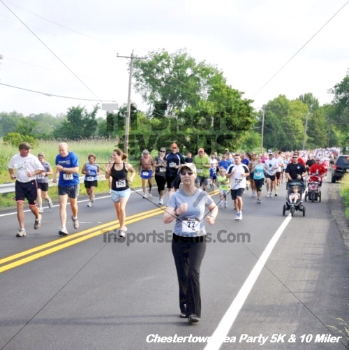 Chestertown Tea Party 10 Mile Run<br><br><br><br><a href='http://www.trisportsevents.com/pics/12_Chestertown_5K-10_Miler_052.JPG' download='12_Chestertown_5K-10_Miler_052.JPG'>Click here to download.</a><Br><a href='http://www.facebook.com/sharer.php?u=http:%2F%2Fwww.trisportsevents.com%2Fpics%2F12_Chestertown_5K-10_Miler_052.JPG&t=Chestertown Tea Party 10 Mile Run' target='_blank'><img src='images/fb_share.png' width='100'></a>