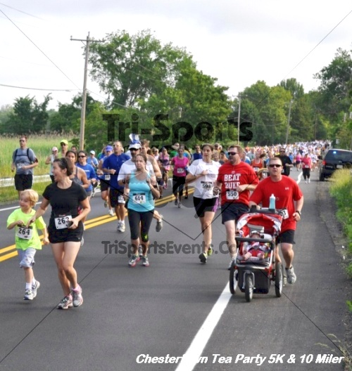 Chestertown Tea Party 10 Mile Run<br><br><br><br><a href='http://www.trisportsevents.com/pics/12_Chestertown_5K-10_Miler_054.JPG' download='12_Chestertown_5K-10_Miler_054.JPG'>Click here to download.</a><Br><a href='http://www.facebook.com/sharer.php?u=http:%2F%2Fwww.trisportsevents.com%2Fpics%2F12_Chestertown_5K-10_Miler_054.JPG&t=Chestertown Tea Party 10 Mile Run' target='_blank'><img src='images/fb_share.png' width='100'></a>