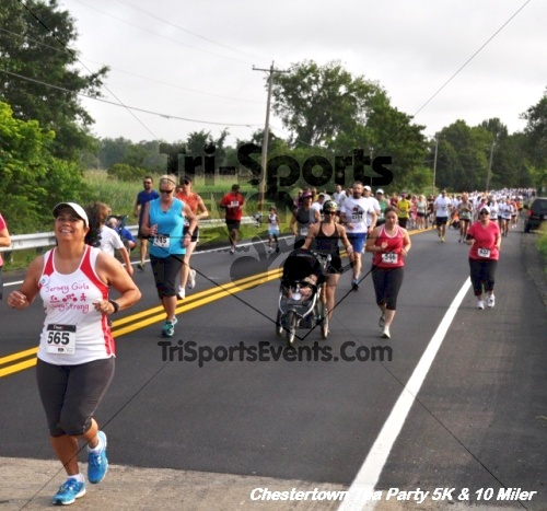 Chestertown Tea Party 10 Mile Run<br><br><br><br><a href='http://www.trisportsevents.com/pics/12_Chestertown_5K-10_Miler_057.JPG' download='12_Chestertown_5K-10_Miler_057.JPG'>Click here to download.</a><Br><a href='http://www.facebook.com/sharer.php?u=http:%2F%2Fwww.trisportsevents.com%2Fpics%2F12_Chestertown_5K-10_Miler_057.JPG&t=Chestertown Tea Party 10 Mile Run' target='_blank'><img src='images/fb_share.png' width='100'></a>