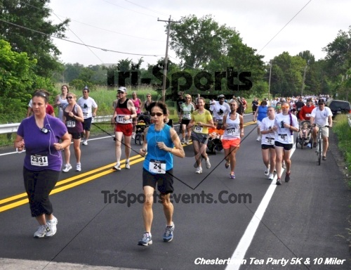 Chestertown Tea Party 10 Mile Run<br><br><br><br><a href='http://www.trisportsevents.com/pics/12_Chestertown_5K-10_Miler_059.JPG' download='12_Chestertown_5K-10_Miler_059.JPG'>Click here to download.</a><Br><a href='http://www.facebook.com/sharer.php?u=http:%2F%2Fwww.trisportsevents.com%2Fpics%2F12_Chestertown_5K-10_Miler_059.JPG&t=Chestertown Tea Party 10 Mile Run' target='_blank'><img src='images/fb_share.png' width='100'></a>