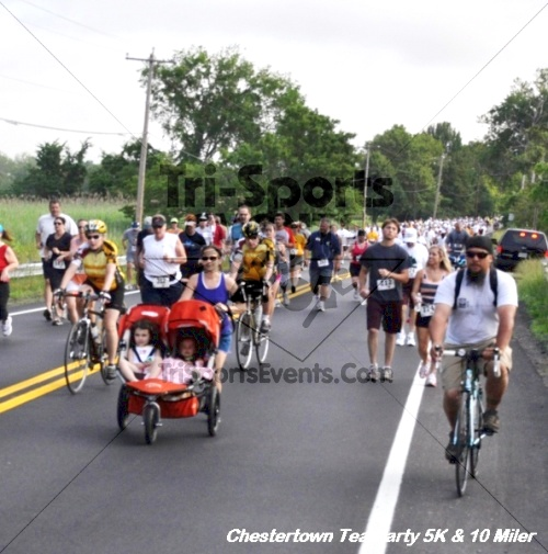 Chestertown Tea Party 10 Mile Run<br><br><br><br><a href='https://www.trisportsevents.com/pics/12_Chestertown_5K-10_Miler_061.JPG' download='12_Chestertown_5K-10_Miler_061.JPG'>Click here to download.</a><Br><a href='http://www.facebook.com/sharer.php?u=http:%2F%2Fwww.trisportsevents.com%2Fpics%2F12_Chestertown_5K-10_Miler_061.JPG&t=Chestertown Tea Party 10 Mile Run' target='_blank'><img src='images/fb_share.png' width='100'></a>