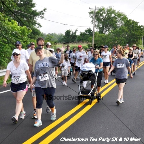 Chestertown Tea Party 10 Mile Run<br><br><br><br><a href='http://www.trisportsevents.com/pics/12_Chestertown_5K-10_Miler_074.JPG' download='12_Chestertown_5K-10_Miler_074.JPG'>Click here to download.</a><Br><a href='http://www.facebook.com/sharer.php?u=http:%2F%2Fwww.trisportsevents.com%2Fpics%2F12_Chestertown_5K-10_Miler_074.JPG&t=Chestertown Tea Party 10 Mile Run' target='_blank'><img src='images/fb_share.png' width='100'></a>