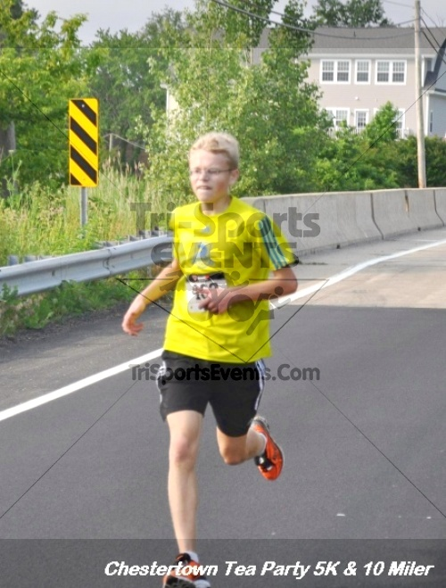 Chestertown Tea Party 10 Mile Run<br><br><br><br><a href='http://www.trisportsevents.com/pics/12_Chestertown_5K-10_Miler_085.JPG' download='12_Chestertown_5K-10_Miler_085.JPG'>Click here to download.</a><Br><a href='http://www.facebook.com/sharer.php?u=http:%2F%2Fwww.trisportsevents.com%2Fpics%2F12_Chestertown_5K-10_Miler_085.JPG&t=Chestertown Tea Party 10 Mile Run' target='_blank'><img src='images/fb_share.png' width='100'></a>