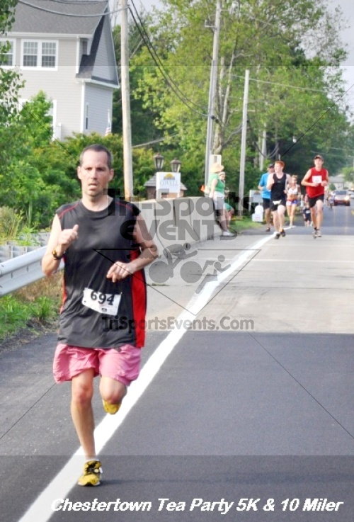 Chestertown Tea Party 10 Mile Run<br><br><br><br><a href='http://www.trisportsevents.com/pics/12_Chestertown_5K-10_Miler_097.JPG' download='12_Chestertown_5K-10_Miler_097.JPG'>Click here to download.</a><Br><a href='http://www.facebook.com/sharer.php?u=http:%2F%2Fwww.trisportsevents.com%2Fpics%2F12_Chestertown_5K-10_Miler_097.JPG&t=Chestertown Tea Party 10 Mile Run' target='_blank'><img src='images/fb_share.png' width='100'></a>