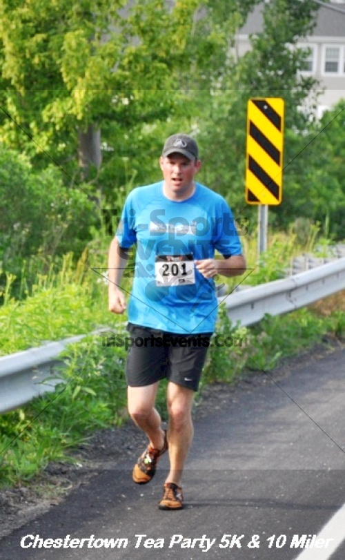 Chestertown Tea Party 10 Mile Run<br><br><br><br><a href='https://www.trisportsevents.com/pics/12_Chestertown_5K-10_Miler_099.JPG' download='12_Chestertown_5K-10_Miler_099.JPG'>Click here to download.</a><Br><a href='http://www.facebook.com/sharer.php?u=http:%2F%2Fwww.trisportsevents.com%2Fpics%2F12_Chestertown_5K-10_Miler_099.JPG&t=Chestertown Tea Party 10 Mile Run' target='_blank'><img src='images/fb_share.png' width='100'></a>