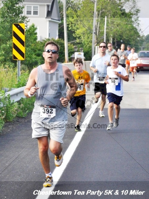 Chestertown Tea Party 10 Mile Run<br><br><br><br><a href='http://www.trisportsevents.com/pics/12_Chestertown_5K-10_Miler_109.JPG' download='12_Chestertown_5K-10_Miler_109.JPG'>Click here to download.</a><Br><a href='http://www.facebook.com/sharer.php?u=http:%2F%2Fwww.trisportsevents.com%2Fpics%2F12_Chestertown_5K-10_Miler_109.JPG&t=Chestertown Tea Party 10 Mile Run' target='_blank'><img src='images/fb_share.png' width='100'></a>