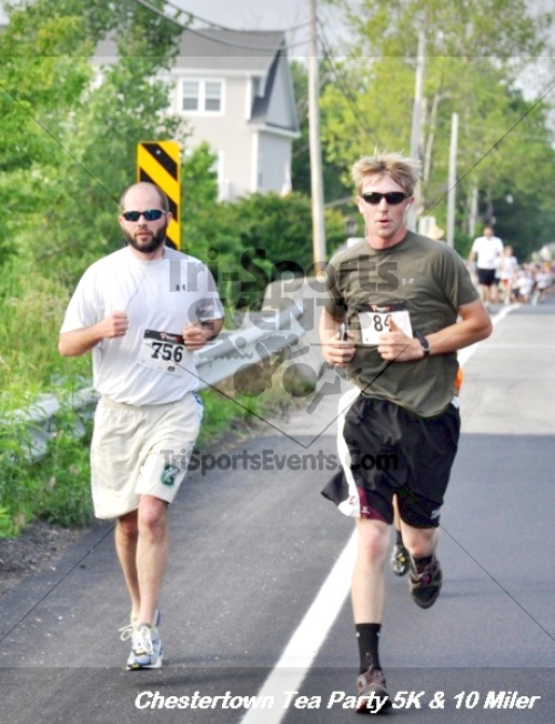 Chestertown Tea Party 10 Mile Run<br><br><br><br><a href='http://www.trisportsevents.com/pics/12_Chestertown_5K-10_Miler_114.JPG' download='12_Chestertown_5K-10_Miler_114.JPG'>Click here to download.</a><Br><a href='http://www.facebook.com/sharer.php?u=http:%2F%2Fwww.trisportsevents.com%2Fpics%2F12_Chestertown_5K-10_Miler_114.JPG&t=Chestertown Tea Party 10 Mile Run' target='_blank'><img src='images/fb_share.png' width='100'></a>