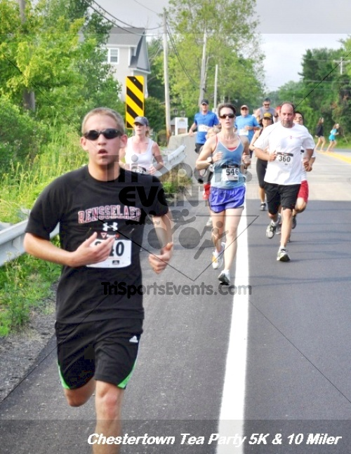 Chestertown Tea Party 10 Mile Run<br><br><br><br><a href='http://www.trisportsevents.com/pics/12_Chestertown_5K-10_Miler_119.JPG' download='12_Chestertown_5K-10_Miler_119.JPG'>Click here to download.</a><Br><a href='http://www.facebook.com/sharer.php?u=http:%2F%2Fwww.trisportsevents.com%2Fpics%2F12_Chestertown_5K-10_Miler_119.JPG&t=Chestertown Tea Party 10 Mile Run' target='_blank'><img src='images/fb_share.png' width='100'></a>