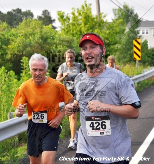 Chestertown Tea Party 10 Mile Run<br><br><br><br><a href='http://www.trisportsevents.com/pics/12_Chestertown_5K-10_Miler_121.JPG' download='12_Chestertown_5K-10_Miler_121.JPG'>Click here to download.</a><Br><a href='http://www.facebook.com/sharer.php?u=http:%2F%2Fwww.trisportsevents.com%2Fpics%2F12_Chestertown_5K-10_Miler_121.JPG&t=Chestertown Tea Party 10 Mile Run' target='_blank'><img src='images/fb_share.png' width='100'></a>