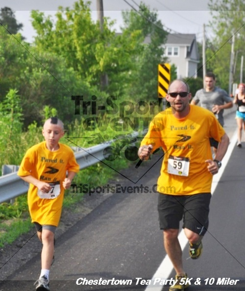 Chestertown Tea Party 10 Mile Run<br><br><br><br><a href='http://www.trisportsevents.com/pics/12_Chestertown_5K-10_Miler_124.JPG' download='12_Chestertown_5K-10_Miler_124.JPG'>Click here to download.</a><Br><a href='http://www.facebook.com/sharer.php?u=http:%2F%2Fwww.trisportsevents.com%2Fpics%2F12_Chestertown_5K-10_Miler_124.JPG&t=Chestertown Tea Party 10 Mile Run' target='_blank'><img src='images/fb_share.png' width='100'></a>