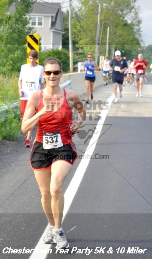 Chestertown Tea Party 10 Mile Run<br><br><br><br><a href='http://www.trisportsevents.com/pics/12_Chestertown_5K-10_Miler_131.JPG' download='12_Chestertown_5K-10_Miler_131.JPG'>Click here to download.</a><Br><a href='http://www.facebook.com/sharer.php?u=http:%2F%2Fwww.trisportsevents.com%2Fpics%2F12_Chestertown_5K-10_Miler_131.JPG&t=Chestertown Tea Party 10 Mile Run' target='_blank'><img src='images/fb_share.png' width='100'></a>