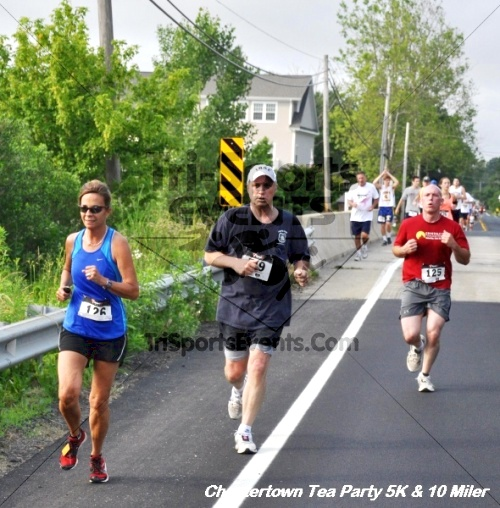 Chestertown Tea Party 10 Mile Run<br><br><br><br><a href='https://www.trisportsevents.com/pics/12_Chestertown_5K-10_Miler_132.JPG' download='12_Chestertown_5K-10_Miler_132.JPG'>Click here to download.</a><Br><a href='http://www.facebook.com/sharer.php?u=http:%2F%2Fwww.trisportsevents.com%2Fpics%2F12_Chestertown_5K-10_Miler_132.JPG&t=Chestertown Tea Party 10 Mile Run' target='_blank'><img src='images/fb_share.png' width='100'></a>